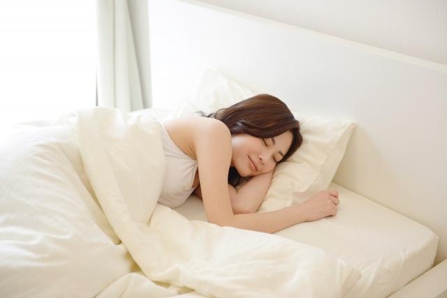 睡眠時のバストは